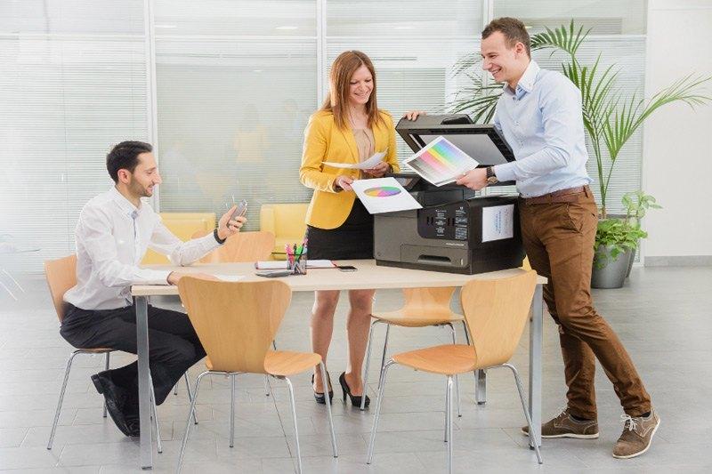 Barvni tiskalnik